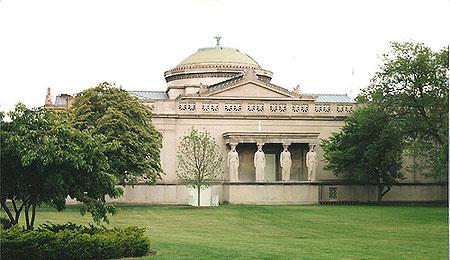 外形上保留了1893年时期的符合欧洲古典建筑完美对称和平衡感的艺术